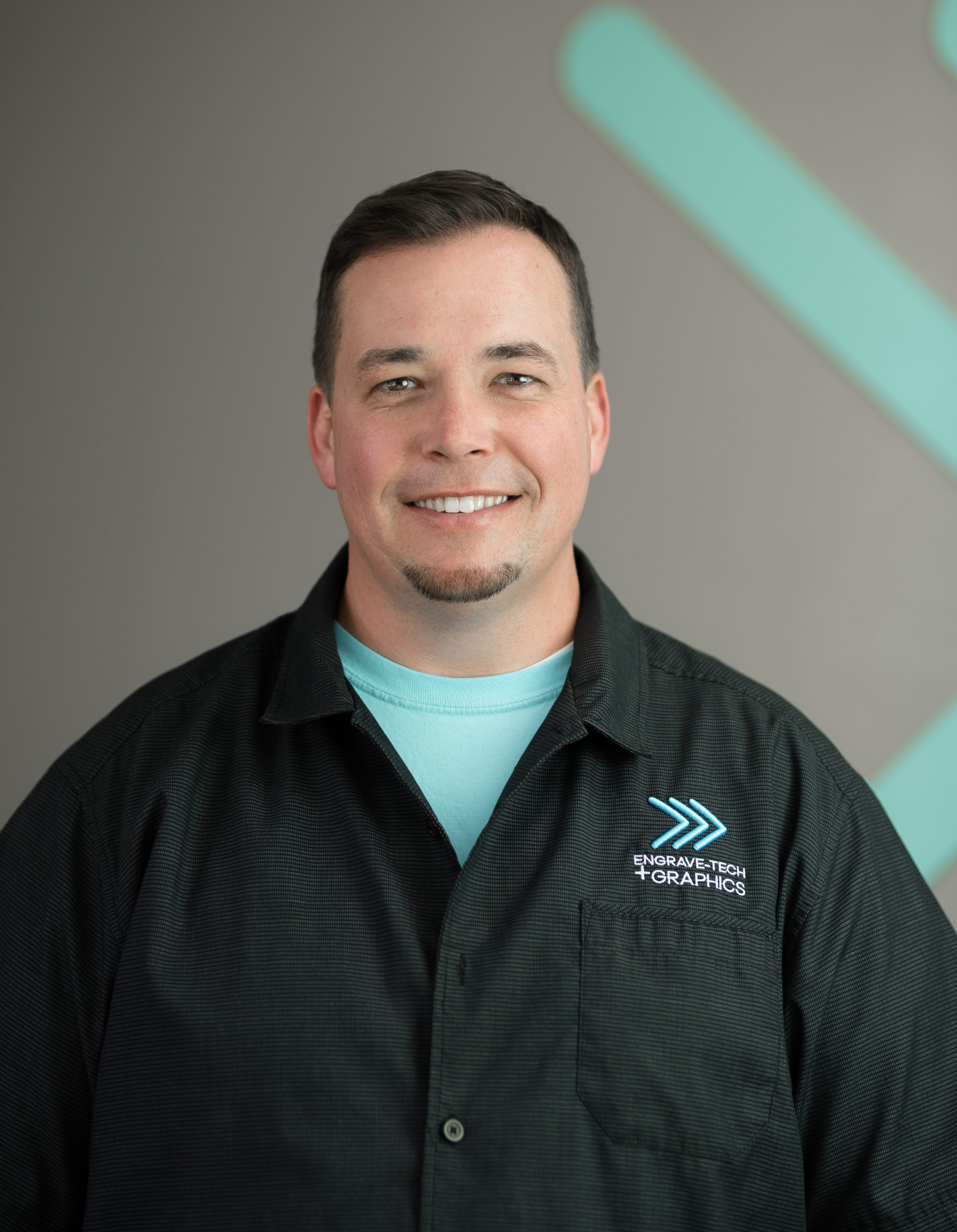 Russell Anthony, Lead Installer of Engrave-Tech & Graphics